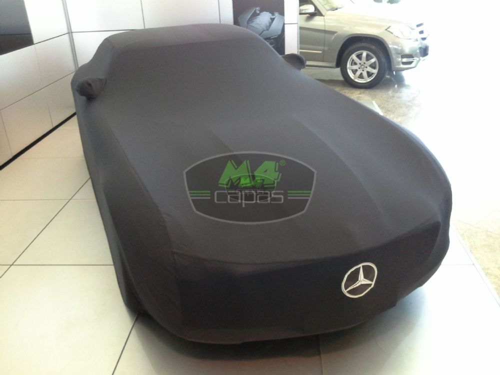 MERCEDES BENZ AMG GT4 COUPÊ 4 PORTAS Capa Automotiva